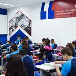 Sala de aula com alunos Elite Ilha do Governador