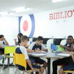 Elite Guará alunos biblioteca